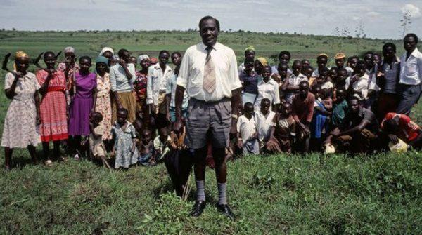 Acentus Akuku et une partie de sa petite famille. Image www.Senenews.com